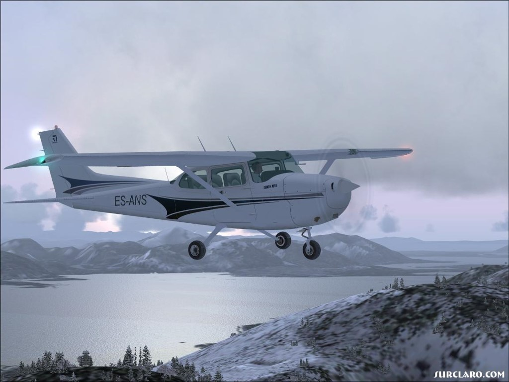Vehicles Wallpaper: Cessna 172 Skyhwak