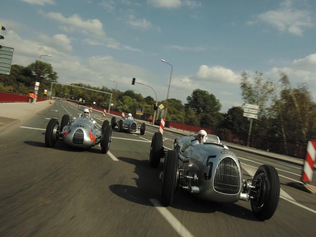 Vehicles Wallpaper: Classic Racing