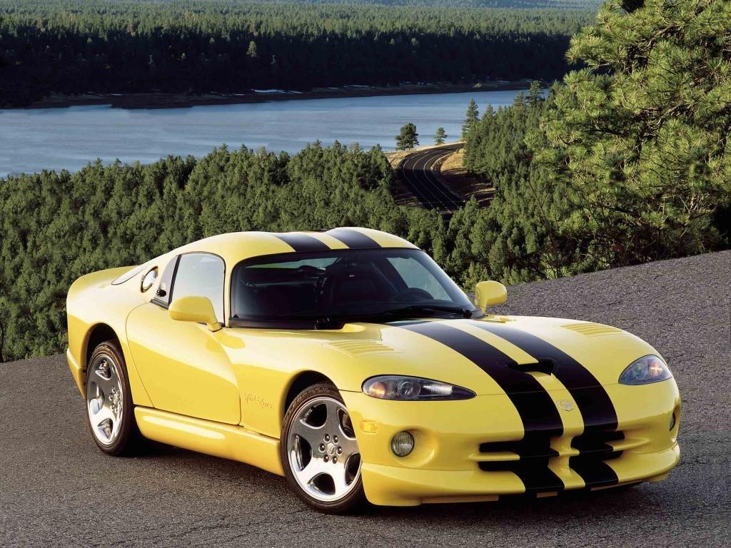 Vehicles Wallpaper: Dodge Viper GTS