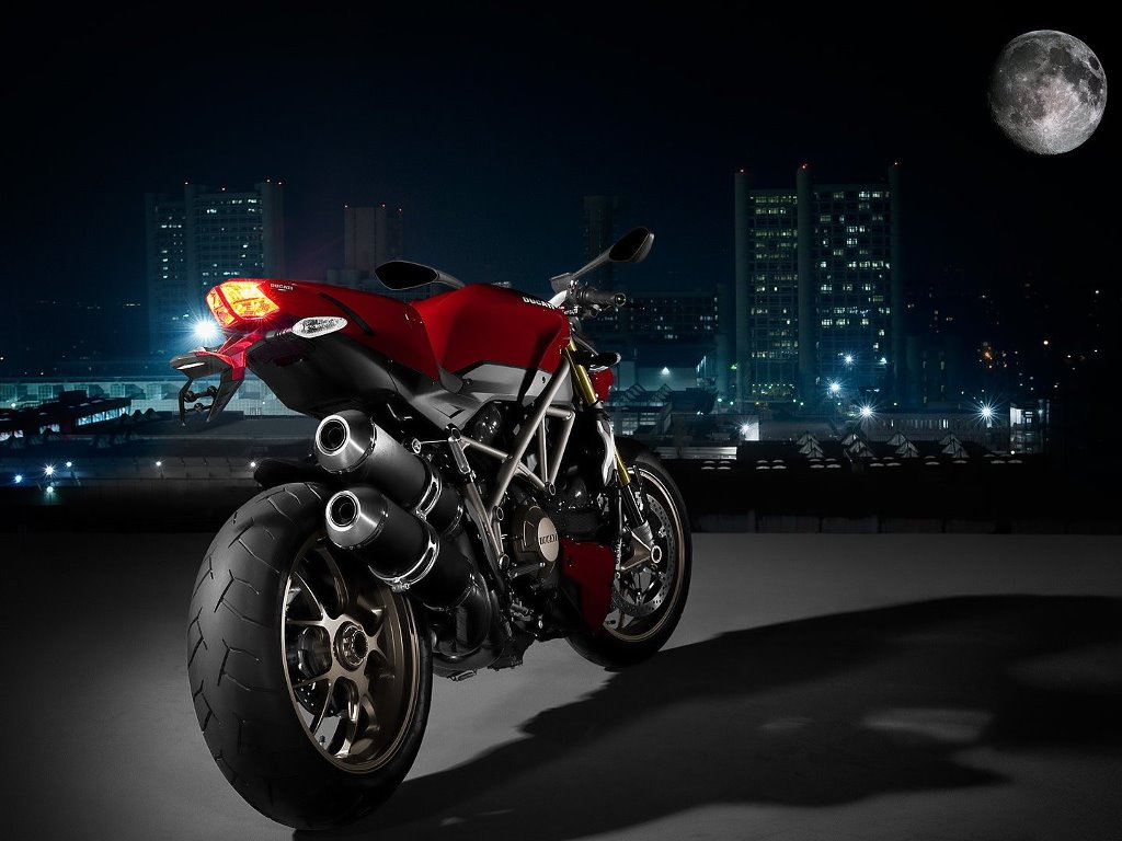 Vehicles Wallpaper: Ducati Streetfighter