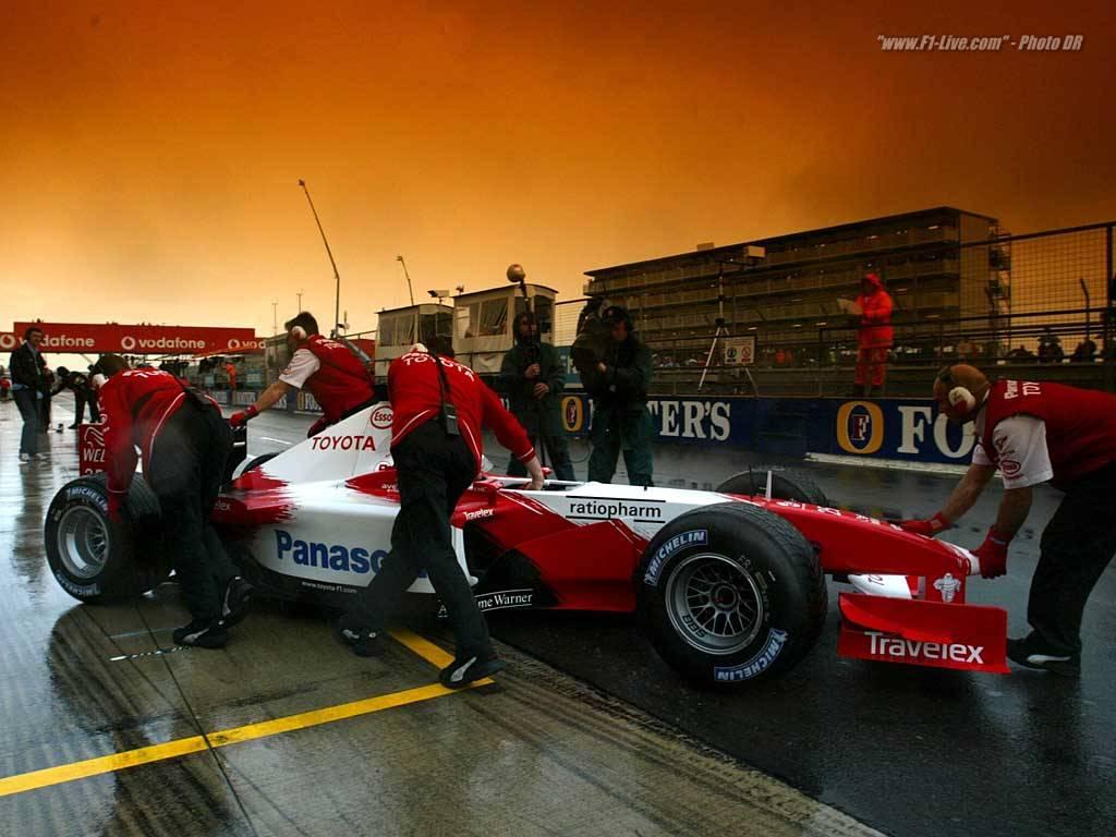 Vehicles Wallpaper: F1