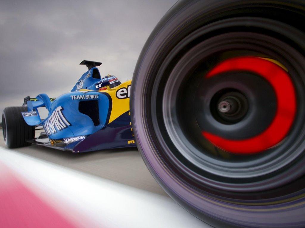 Vehicles Wallpaper: F1 - Team Spirit