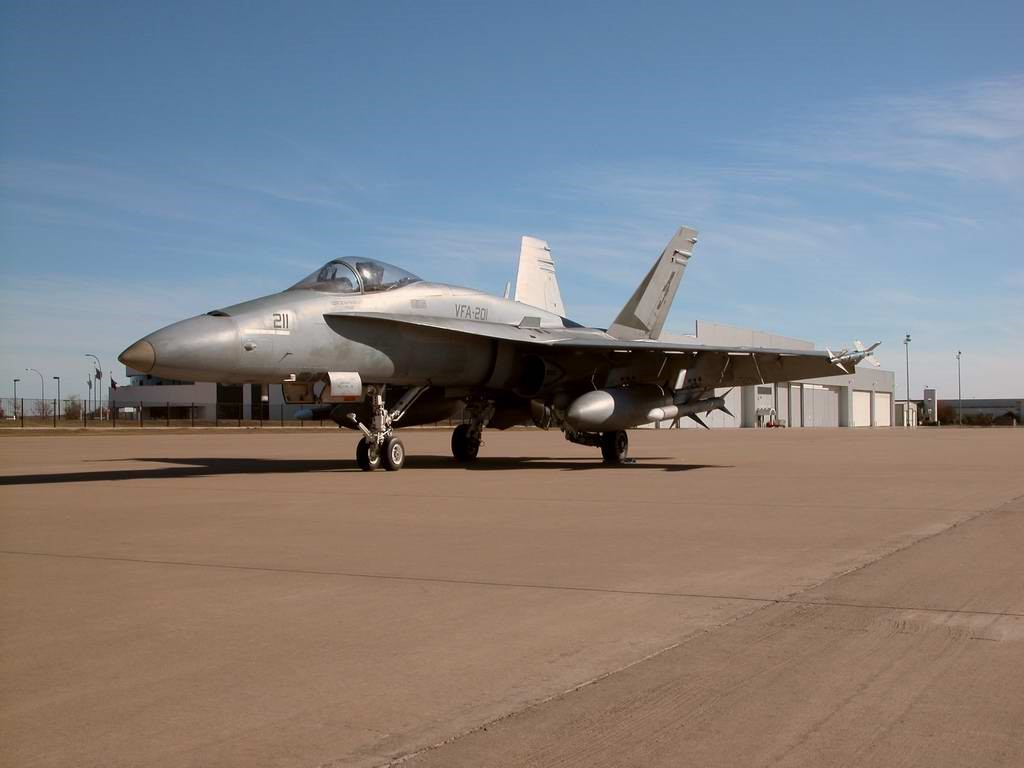 Vehicles Wallpaper: FA-18 Hornet