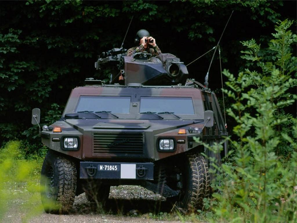Vehicles Wallpaper: Humvee