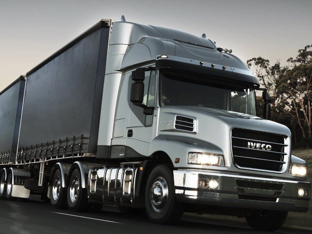 Vehicles Wallpaper: Iveco