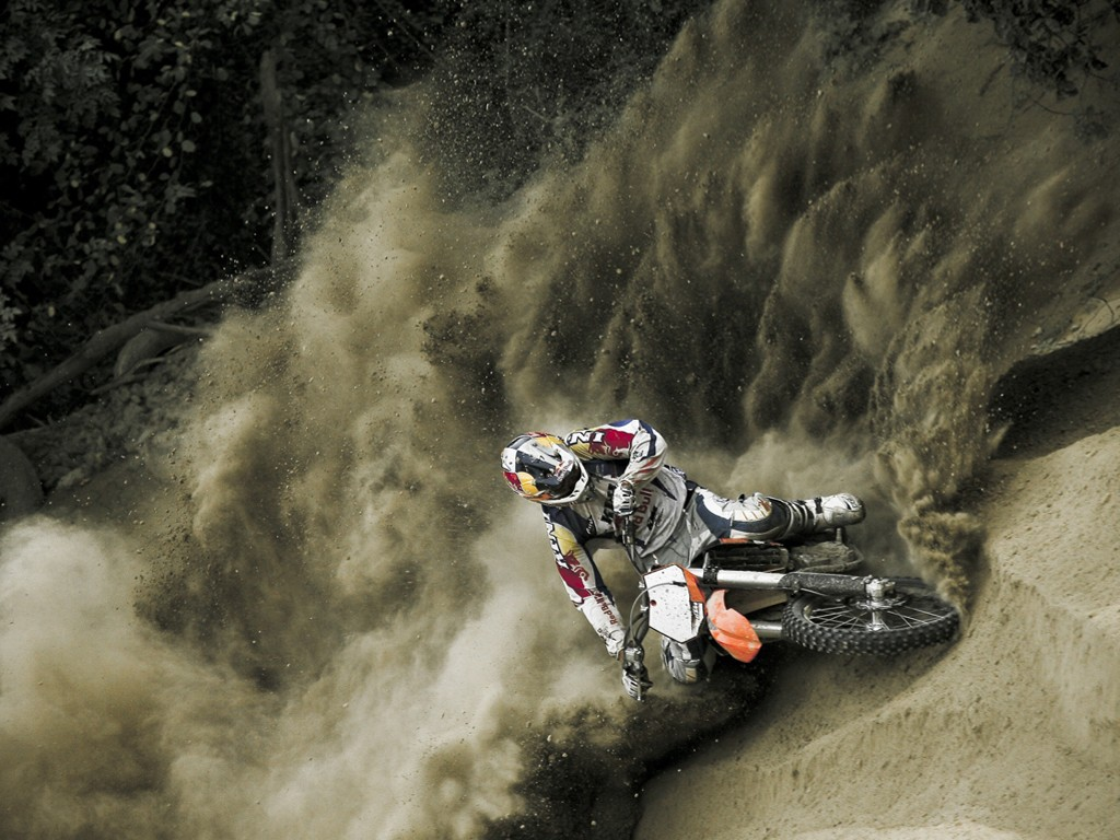 Vehicles Wallpaper: Motocross - Sand