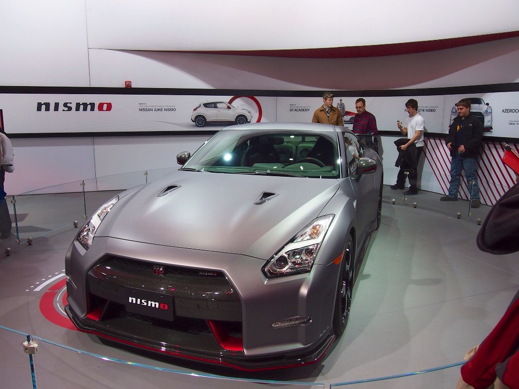 Vehicles Wallpaper: 2015 Nissan GT-R NISMO