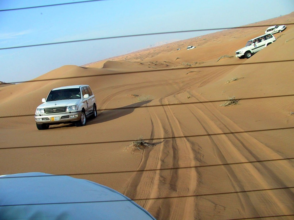 Vehicles Wallpaper: Rally - Dubai Dunes