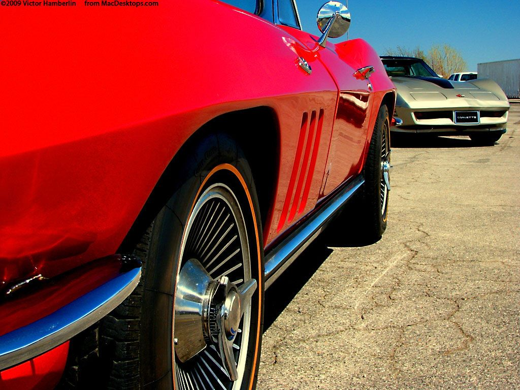 Vehicles Wallpaper: Red Corvette