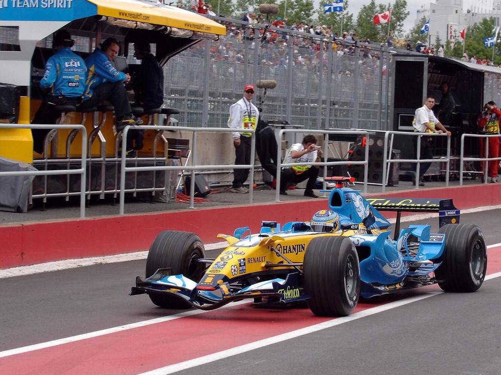 Vehicles Wallpaper: Renault F1