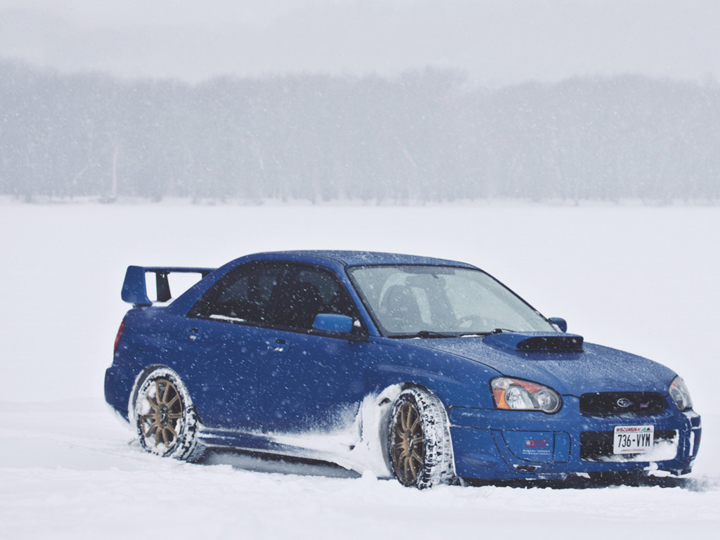 Vehicles Wallpaper: Subaru - Snow