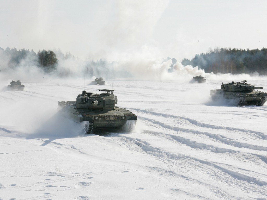 Vehicles Wallpaper: Tanks - Snow