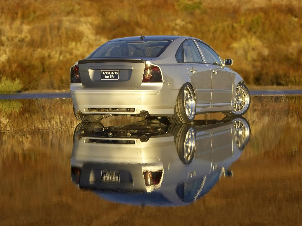 Vehicles Wallpaper: Volvo
