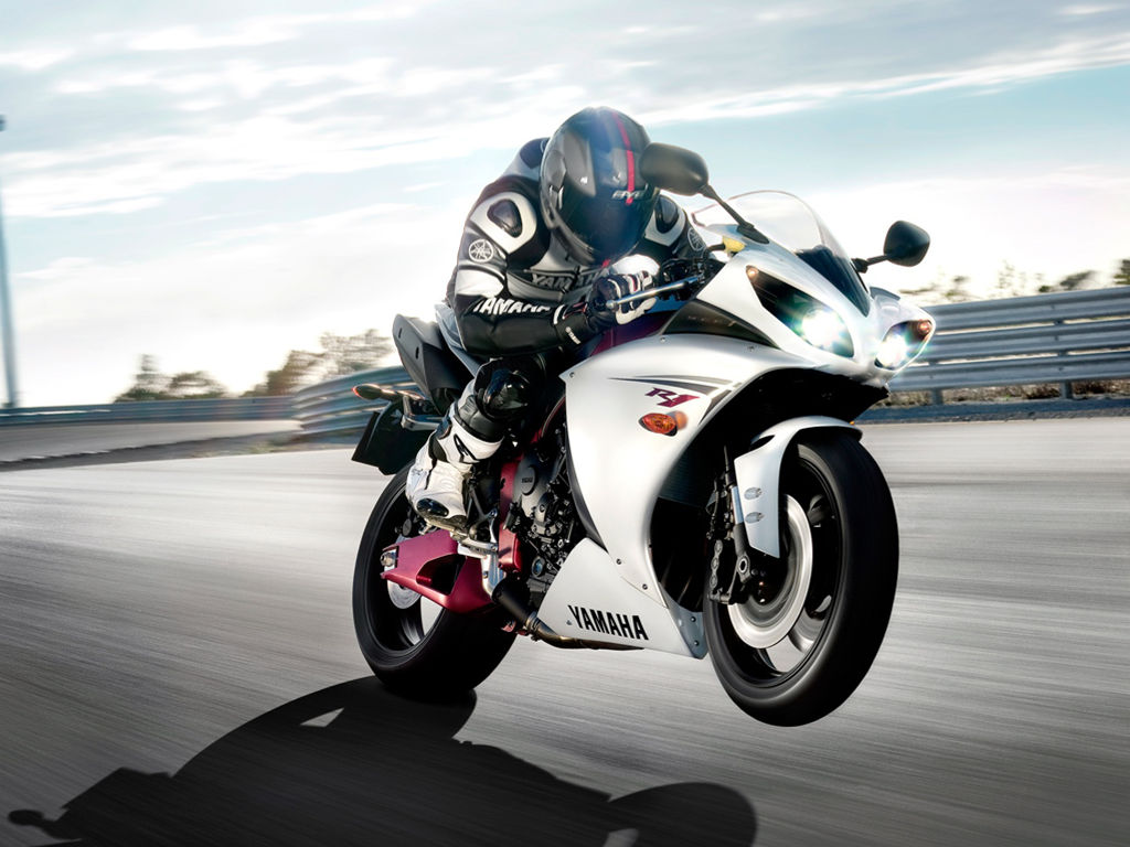 Vehicles Wallpaper: Yamaha R1